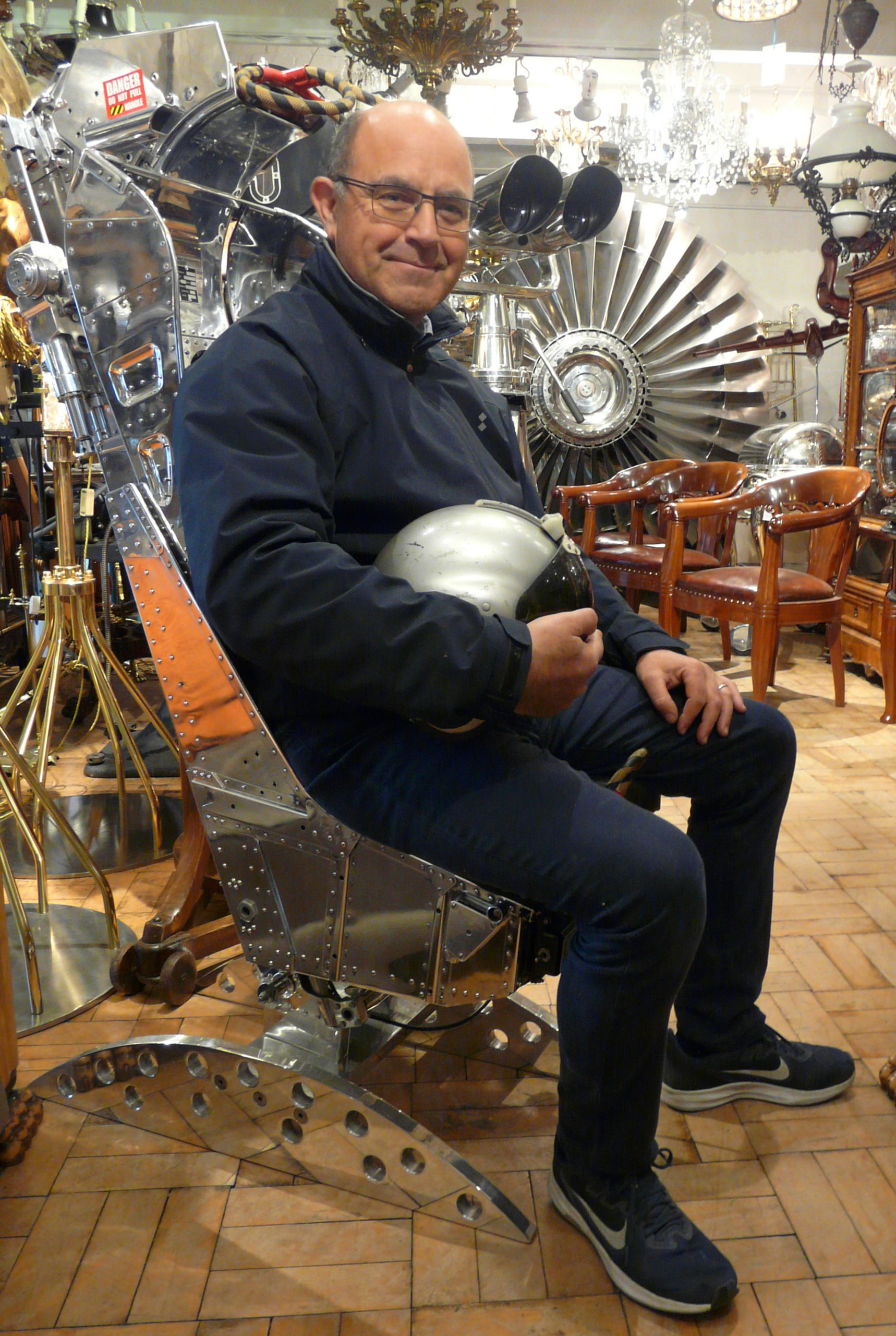 Ejector seat lands on 2Covet